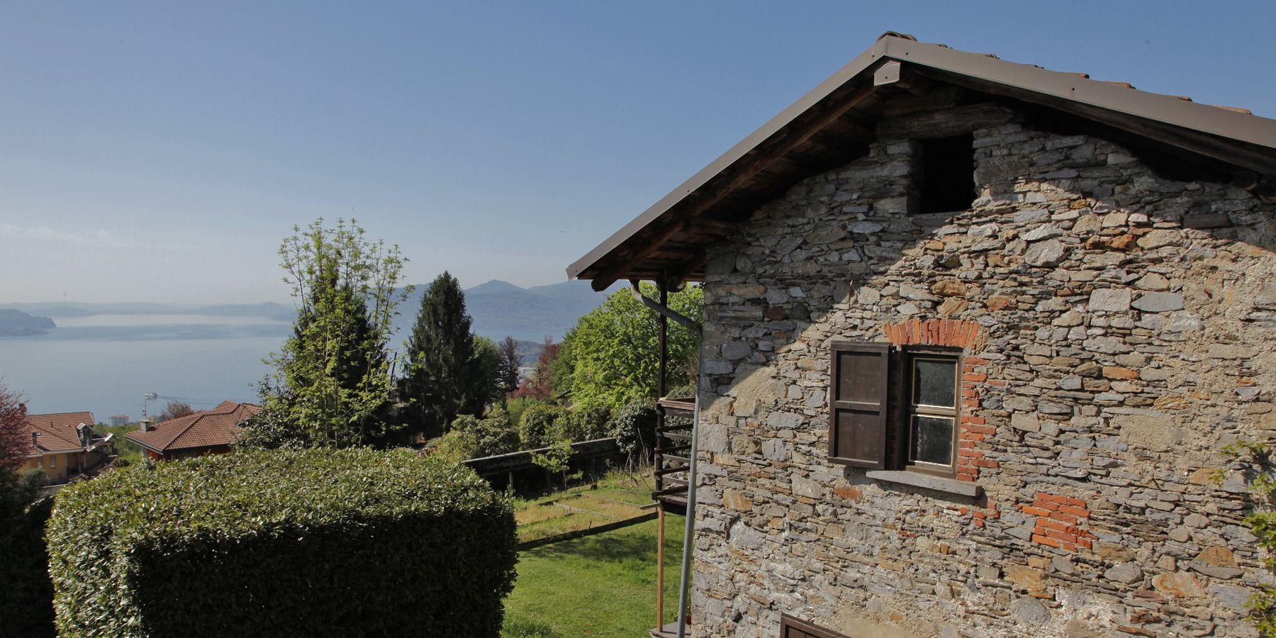 Steinhaus am Lago Maggiore - Arizzano