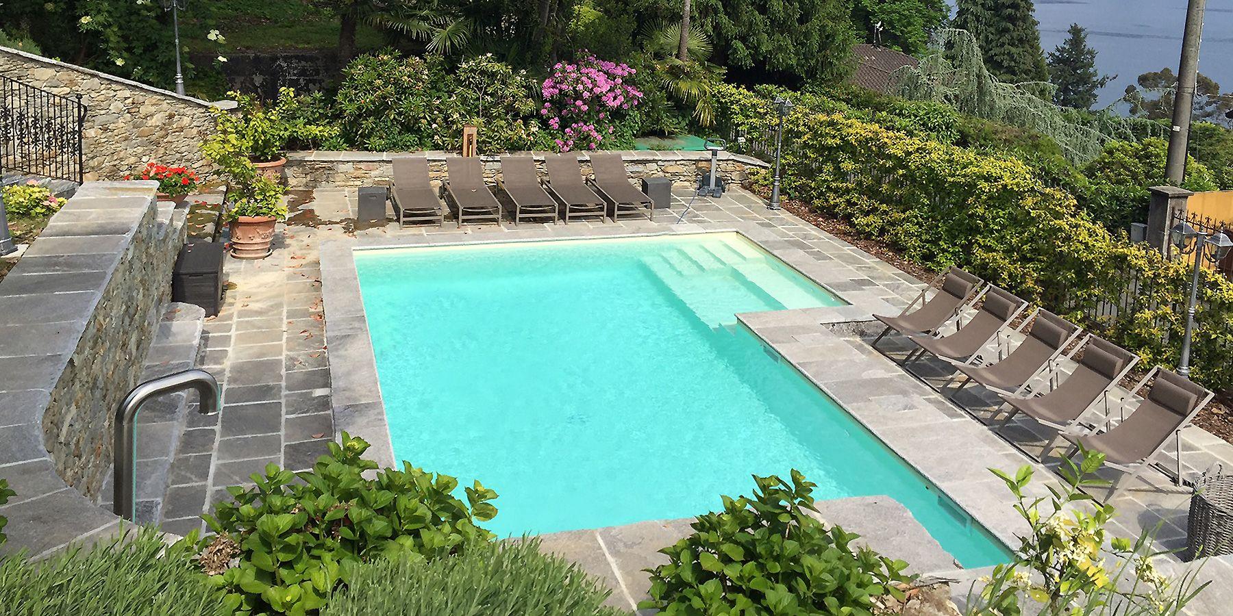 Renovierte Villa kaufen in Ghiffa Pool