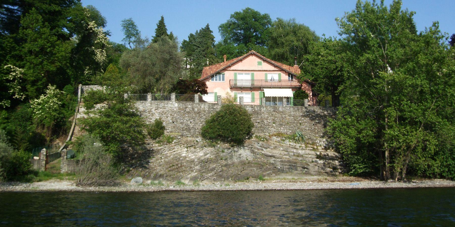 Villa kaufen in Leggiuno direkt am See - Lago Maggiore
